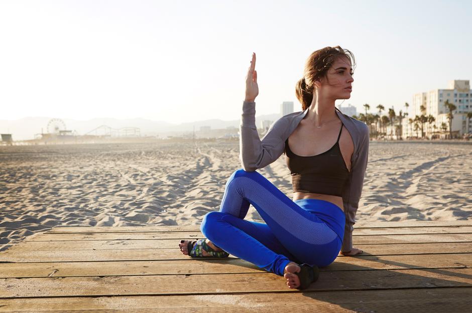 Chiara Ferragni Nike training Malibu Yoga 2