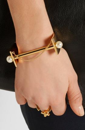 Darcey gold-tone Swarovski pearl cuff, Chloé